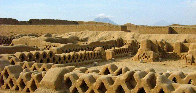 As sinistras estátuas de madeira encontradas no Peru