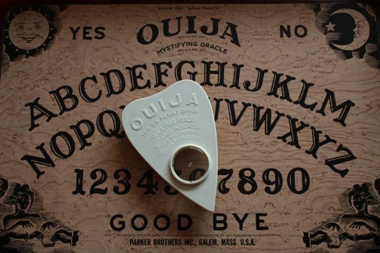 A verdadeira história da origem do tabuleiro de Ouija