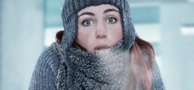 Por que as mulheres sentem mais frio do que os homens?