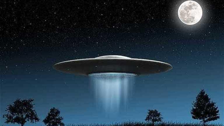Suposto OVNI é visto por vários pilotos e caso é investigado na Irlanda