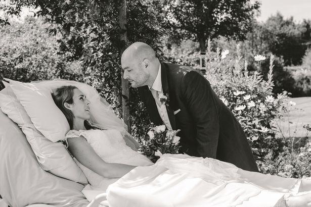 Mulher em estado terminal se casa em ensaio lindo dias antes de morrer
