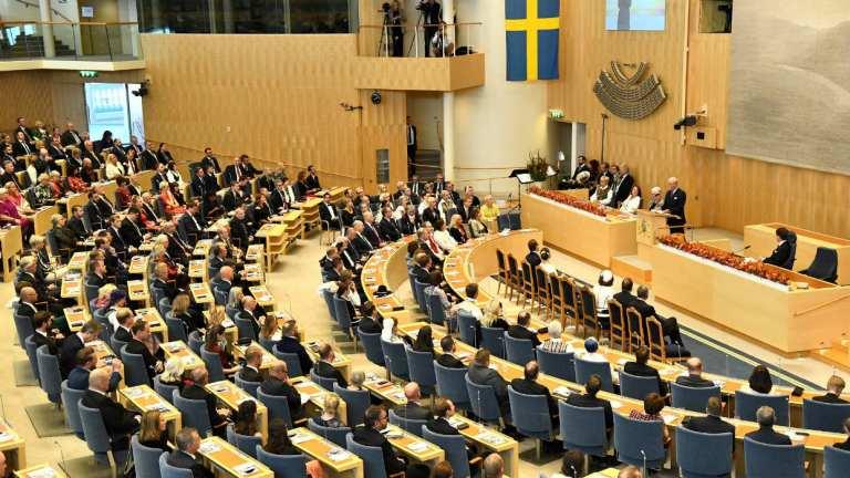 Conheça a vida humilde dos políticos da Suécia