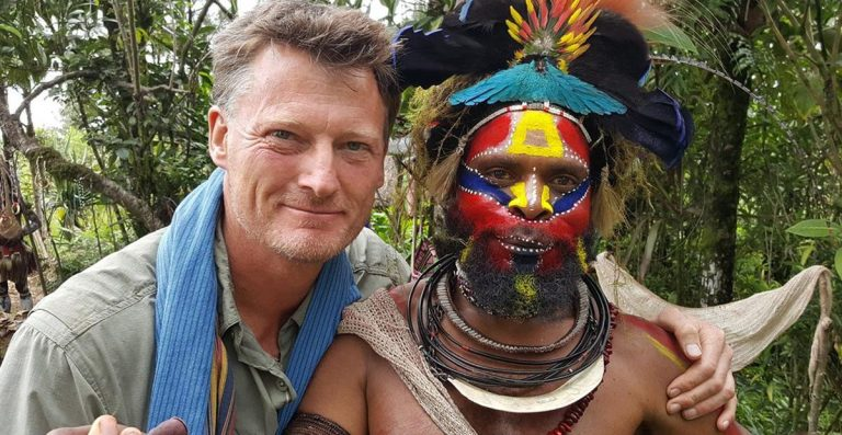 A história do explorador que desapareceu após procurar uma tribo isolada em Nova Guiné