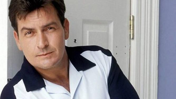 12 coisas que você não sabia sobre a vida de Charlie Sheen