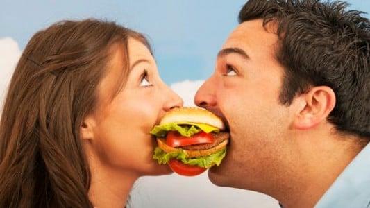 Mito ou verdade? Casais realmente engordam mais que pessoas solteiras?