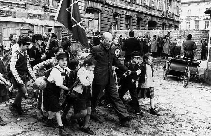 A triste história de Janusz Korczak e suas crianças durante o nazismo