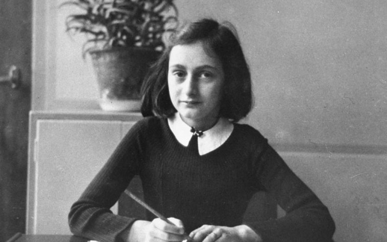 Anne Frank escreveu cartas para sua avó e elas foram publicadas pela primeira vez