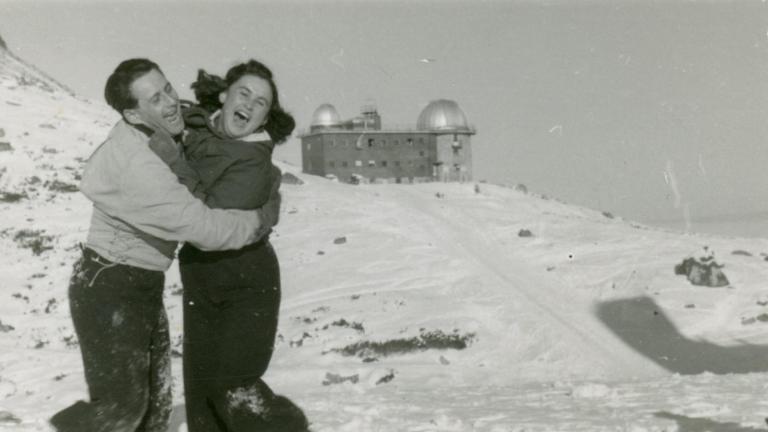A história do tatuador que sobreviveu a Auschwitz e ainda encontrou seu grande amor