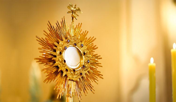 O que é comemorado no feriado de Corpus Christi?