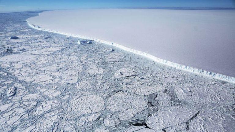 Onde vai parar o A-68, o maior iceberg do mundo que se desprendeu da Antártida?
