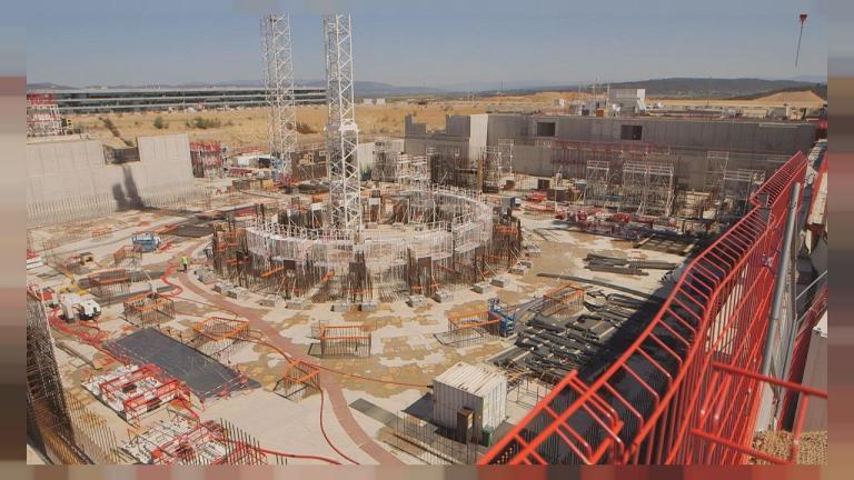O reator nuclear Chinês que pode funcionar ''sozinho''