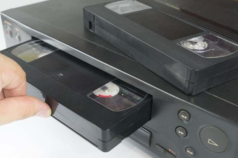 Os VHS antigos da Disney hoje valem uma fortuna. Você tem algum deles?