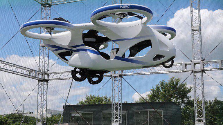 """Já existe """"carro voador"""" no Japão, ele voa um minuto no ar"""