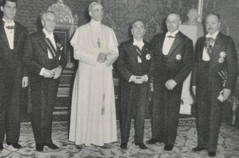 O corpo do Papa que explodiu no Vaticano