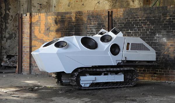 7 incríveis e loucos tanques do tipo 'faça-você-mesmo'