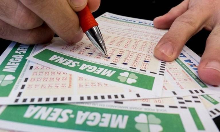 7 famosos que ganharam na loteria