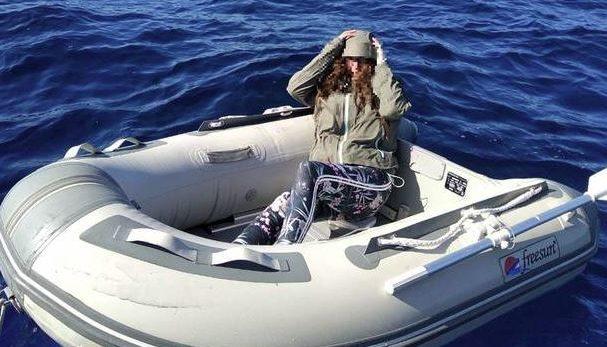 Entenda como pirulitos salvaram a vida de uma mulher que ficou 37 horas perdida em alto-mar