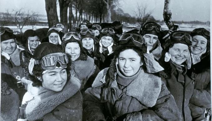 """Quem eram as """"Bruxas da Noite""""? As mulheres piloto que perseguiam os nazistas"""