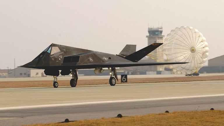 Esses são os projetos mais secretos de aviões espiões da Área 51