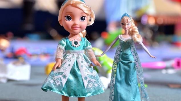 Boneca 'Frozen', supostamente possuída, está aterrorizando uma família