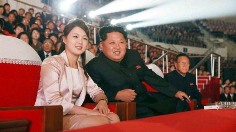 Quem é a esposa de Kim Jong-un e quais regras ela deve seguir?