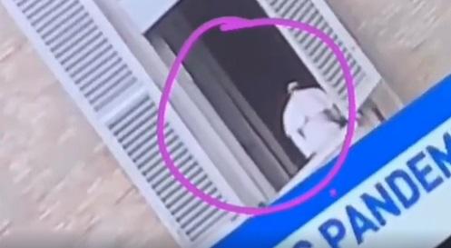 O Papa é um holograma? Veja o vídeo que despertou essa dúvida na internet