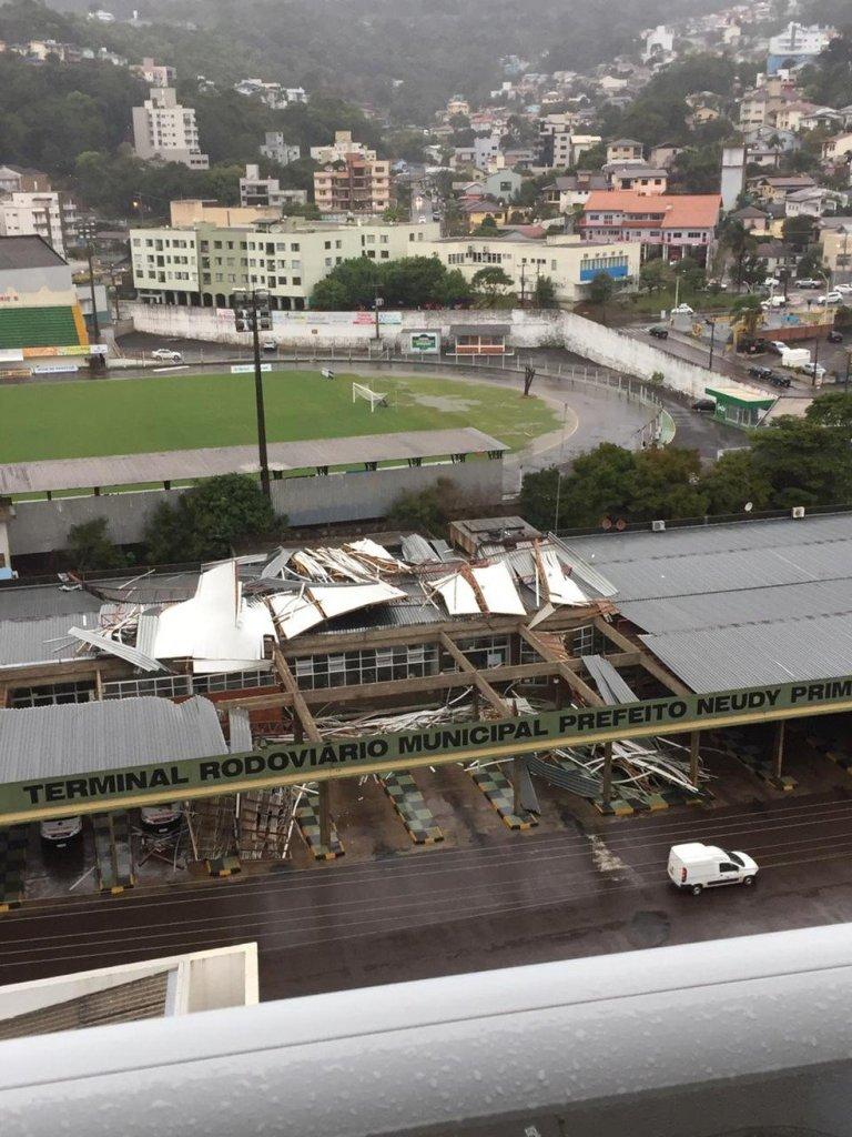 Veja os vídeos assustadores do ciclone bomba que atingiu Santa Catarina