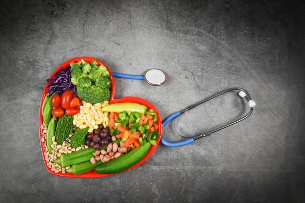 Estudo diz que pessoas com colesterol alto não devem eliminar gorduras saturadas da sua dieta