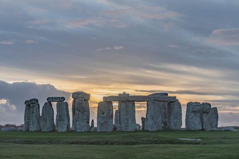 Estudo recente reforça teoria a respeito do transporte das pedras do Stonehenge