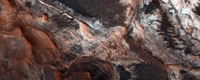 Os vales de Marte podem não ter sido feitos por rios