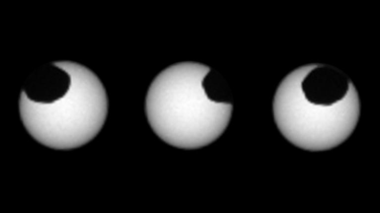 Uma coisa estranha acontece em Marte durante um eclipse solar
