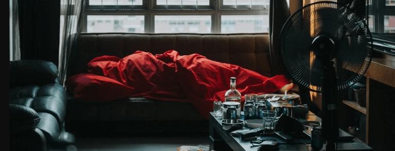 Beber até desmaiar está associado ao risco dobrado de demência