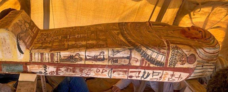 14 sarcófagos acabam de ser descobertos no Egito