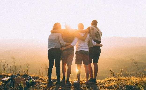 Estudo sugere que quantidade de amigos pode ter influência na saúde mental