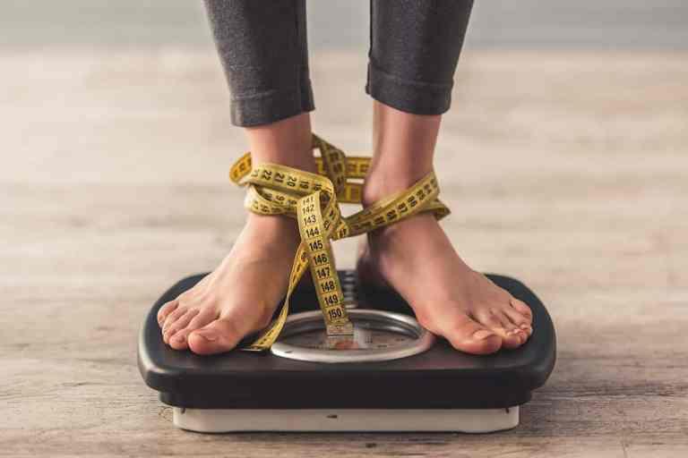 7 riscos de se perder peso rápido e de maneira extrema