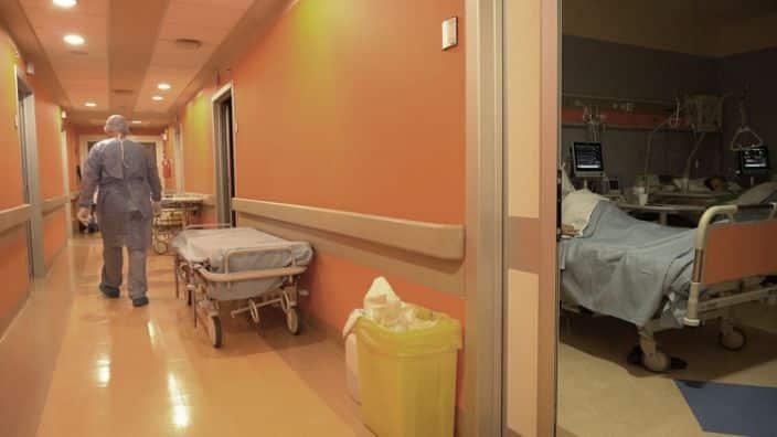 Depois de seis anos, família que morou em uma enfermaria deixa o hospital
