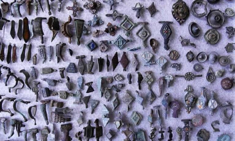 Caçador de tesouros é preso com 27 mil artefatos arqueológicos