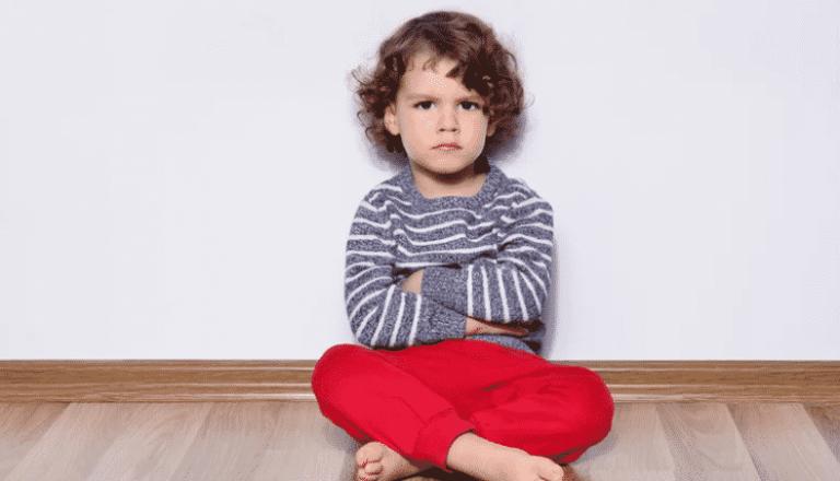 Filho teimoso pode ser um adulto de sucesso, diz estudo