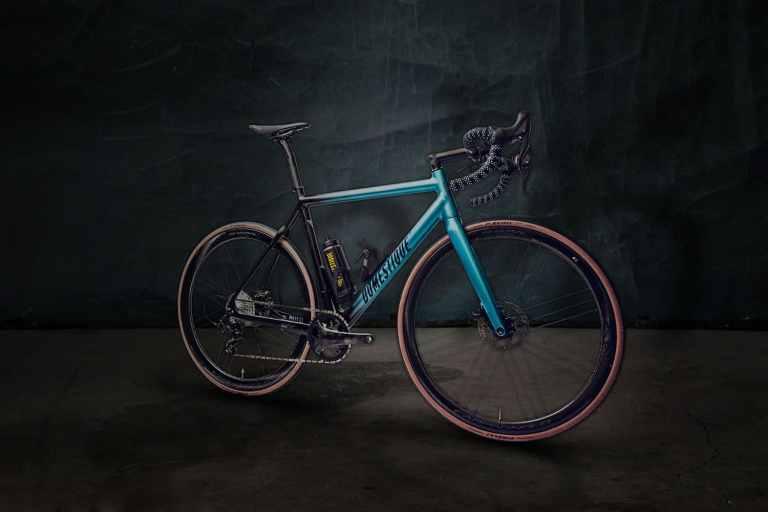 Bicicleta elétrica mais leve do mundo custa 12 mil euros