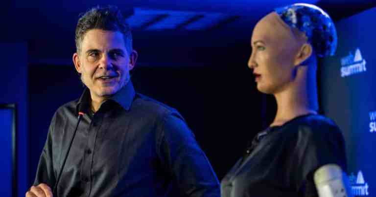 Empresas investem mais na fabricação de robôs hiper-realistas durante a pandemia