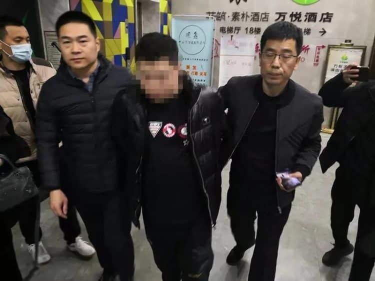 Golpista é preso por namorar 20 mulheres ao mesmo tempo para extorquir dinheiro