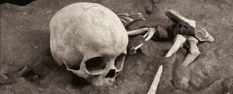 Sepultamento humano mais antigo é descoberto em uma caverna africana