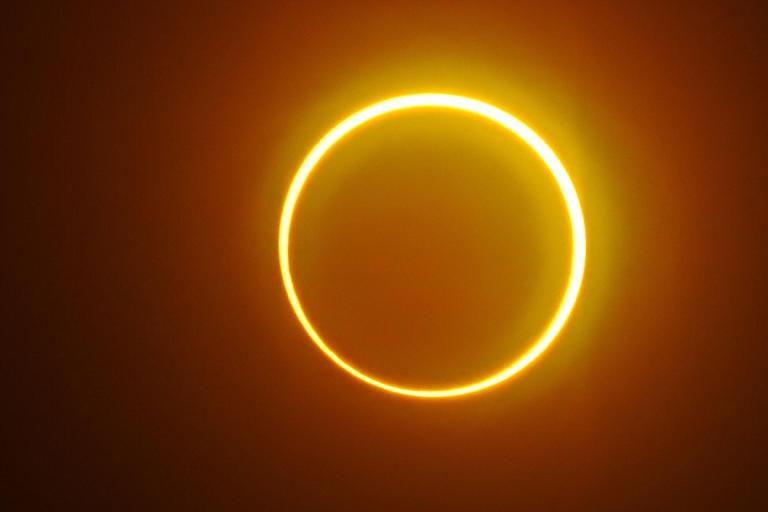 Como ver o eclipse anel de fogo nessa quinta-feria