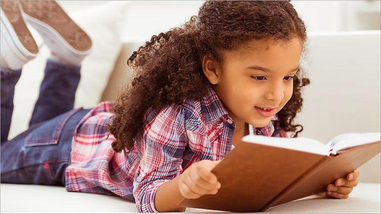 Como as crianças descobrem o que as palavras significam?