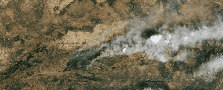 A fumaça de incêndios florestais pode prejudicar sua saúde mesmo que o incêndio seja distante