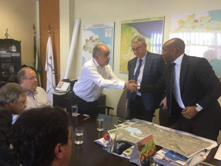 Secretário vai a Brasília em busca de recursos