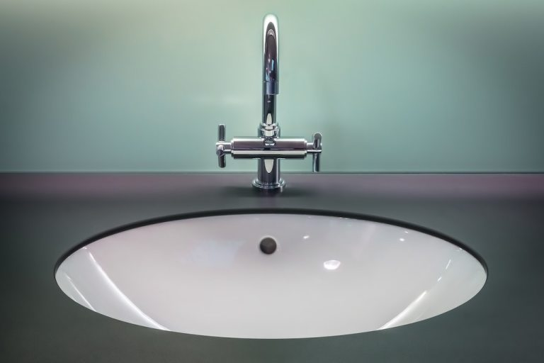 Bathroom Clean Faucet
