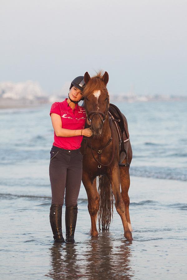photo équestre cheval et cavalier à la plage