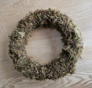 moss ring wreath