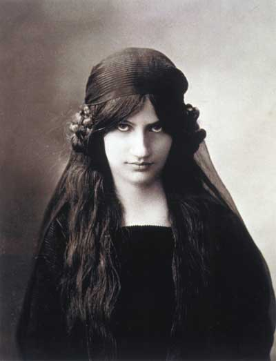 Jeanne Hebuterne, artist, and muse of Modigliani